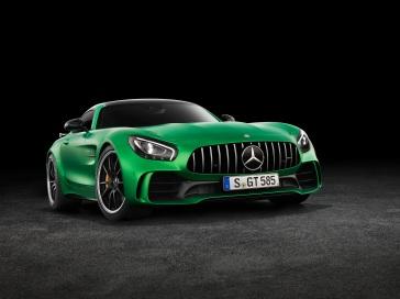 AMG GT R; 2016; Studio; Exterrieur: AMG Green Hell magno; neuer AMG Panamericana Grill ;Kraftstoffverbrauch kombiniert: 11,4 l/100 km, CO2-Emissionen kombiniert: 259 g/km AMG GT R; 2016; studio; Exterior: AMG Green Hell magno, new AMG Panamericana radiator grille; Fuel consumption, combined: 11.4 l/100 km, CO2 emissions, combined: 259 g/km