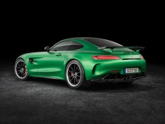 AMG GT R; 2016; Studio; Exterrieur: AMG Green Hell magno ;Kraftstoffverbrauch kombiniert: 11,4 l/100 km, CO2-Emissionen kombiniert: 259 g/km AMG GT R; 2016; studio; Exterior: AMG Green Hell magno; Fuel consumption, combined: 11.4 l/100 km, CO2 emissions, combined: 259 g/km