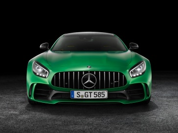 AMG GT R; 2016; Studio; Exterrieur: AMG Green Hell magno; neuer AMG Panamericana Grill ;Kraftstoffverbrauch kombiniert: 11,4 l/100 km, CO2-Emissionen kombiniert: 259 g/km AMG GT R; 2016; studio; Exterior: AMG Green Hell magno, new AMG Panamericana radiator grille; Fuel consumption, combined: 11.4 l/100 km, CO2 emissions, combined: 259 g/km