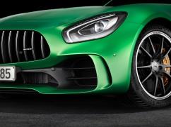 AMG GT R; 2016; Studio; Exterrieur: AMG Green Hell magno; Frontschürze im Jet-Wing-Design ;Kraftstoffverbrauch kombiniert: 11,4 l/100 km, CO2-Emissionen kombiniert: 259 g/km AMG GT R; 2016; studio; Exterior: AMG Green Hell magno; front Apron in jet wing design; Fuel consumption, combined: 11.4 l/100 km, CO2 emissions, combined: 259 g/km