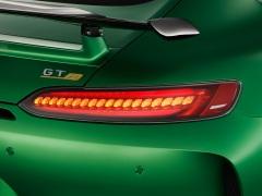 AMG GT R; 2016; Studio; Exterrieur: AMG Green Hell magno; Heckleuchten in LED-Technik ;Kraftstoffverbrauch kombiniert: 11,4 l/100 km, CO2-Emissionen kombiniert: 259 g/km AMG GT R; 2016; studio; Exterior: AMG Green Hell magno, LED tails lights; Fuel consumption, combined: 11.4 l/100 km, CO2 emissions, combined: 259 g/km